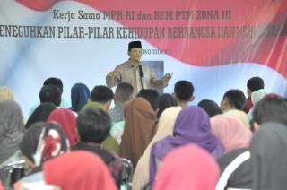 HNW: Pecahnya Uni Soviet Jadi Pelajaran Buat Indonesia