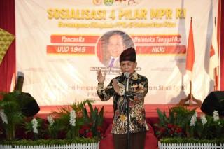 Menjadi Keynote Speaker Seminar IOJI, Wakil Ketua MPR RI: Perkuat Sistem Keamanan Laut Indonesia