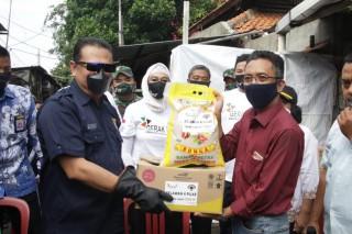 Sosialisasi Empat Pilar MPR RI di Kalangan Pemulung, Bamsoet Berikan Sembako dan Sepeda